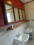 Riverstone Backpackers Female Bathrooms